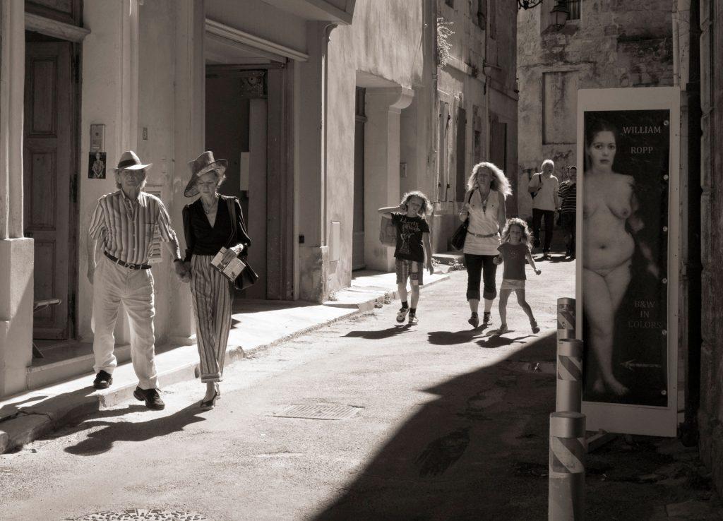 ARLES SEPIA STREET